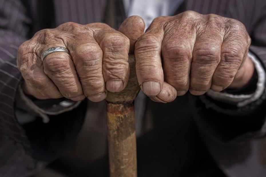 वृद्ध का कटोरा - जैसी करनी वैसी भरनी