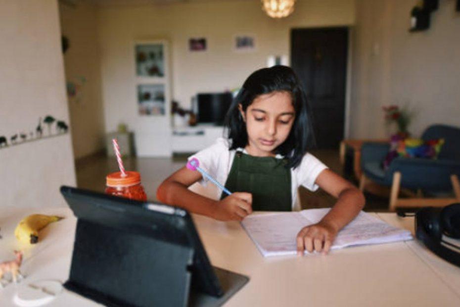 parenting tips in hindi बच्चों को सिखाएं पढ़ने-लिखने का सही तरीका